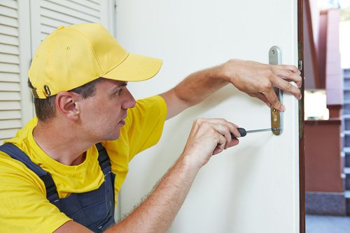 Locksmith Services Near Me - Auto | Mobile | Home | Office